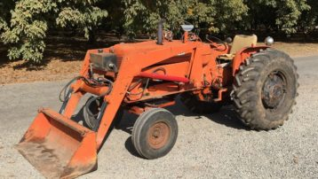 63 HP Allis Chalmers D17 Tractor with Loader – PRICE REDUCED!