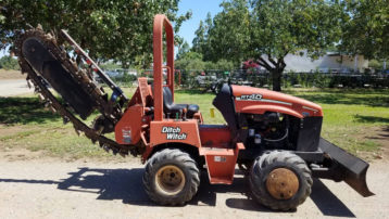 Used 2005 Ditch Witch RT40 Trencher – Works great!