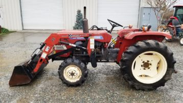 Used Shibaura SD2200 4×4 Tractor with Loader