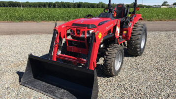 *Scratch & Dent Special!* 26HP Mahindra 1626 Shuttle Tractor – SAVE $3,000!