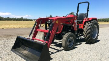 *Scratch & Dent Special!* 62HP Mahindra 4565 Gear Tractor – LOW PRICE!