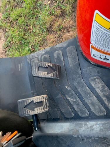 Branson 2400 HST pedals