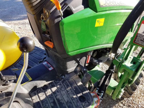 Used JD 1025R TLB - 13